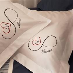 Set 2 Federe con 3 volani personalizzate Lui e Lei, dipinte a mano.